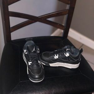 Toddler boys size 11 Jordan 4 Retro LS Black